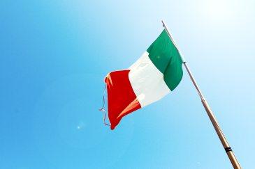 flag-flagpole-italy-7522
